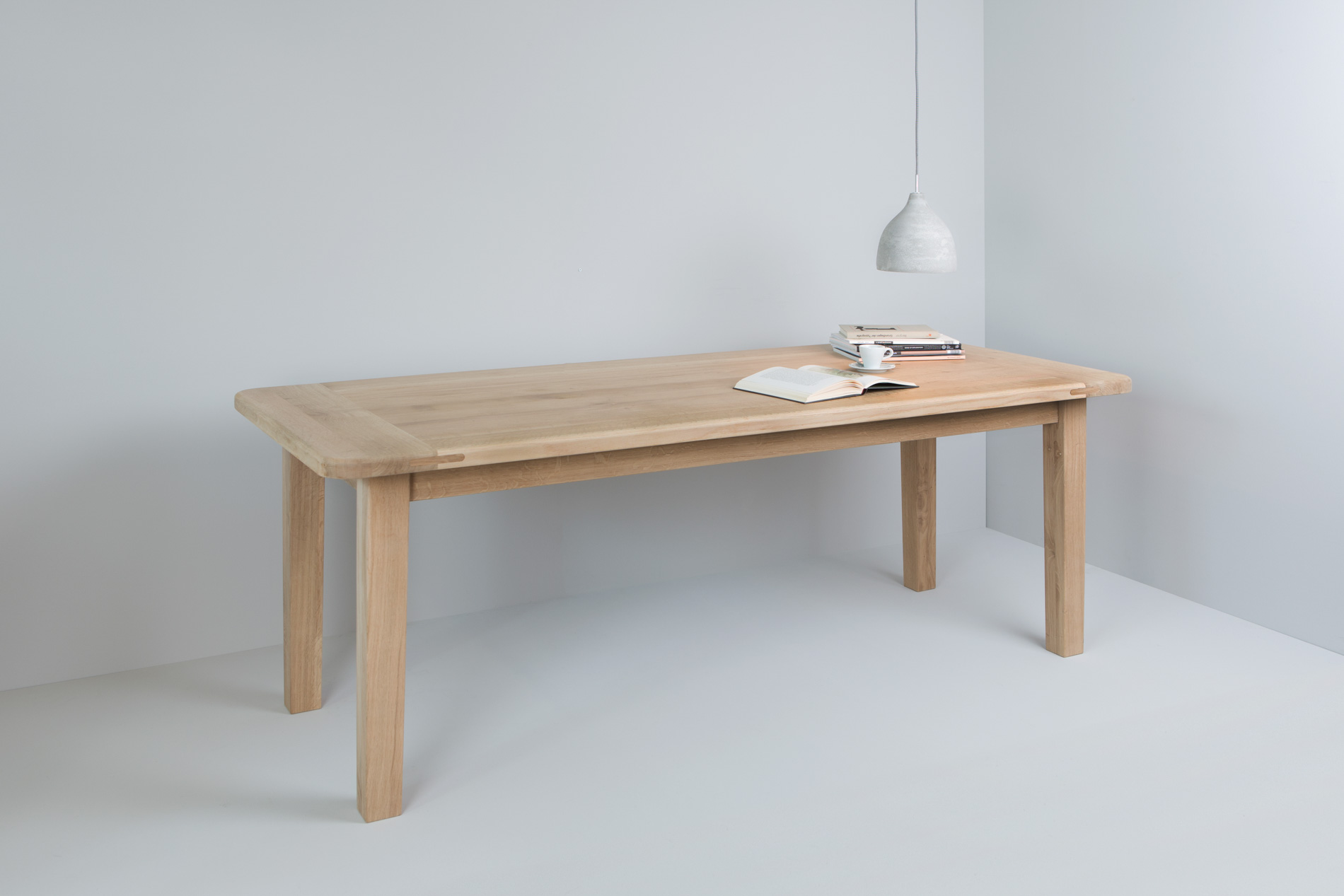 Tisch 30-08
