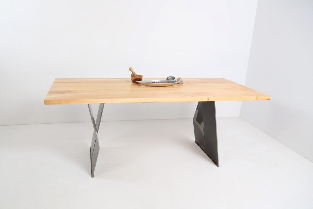 Tisch 30-50-MST14
