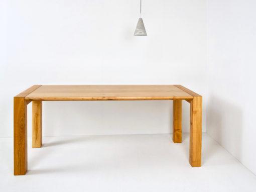 Tisch 30-32